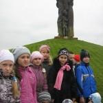 09 Під час екскурсії до меморіалів