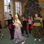 09 Новорічне свято учнів середньої школи