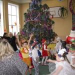 14 Новорічне свято учнів початкової школи