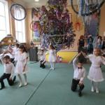 43 Новорічне свято в школі