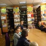 01 в бібліотеці